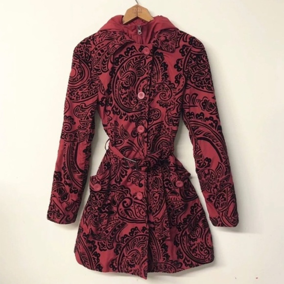 619e6d3ad01 Desigual Jackets   Blazers - Desigual Red   Black Paisley Hooded Trench ...